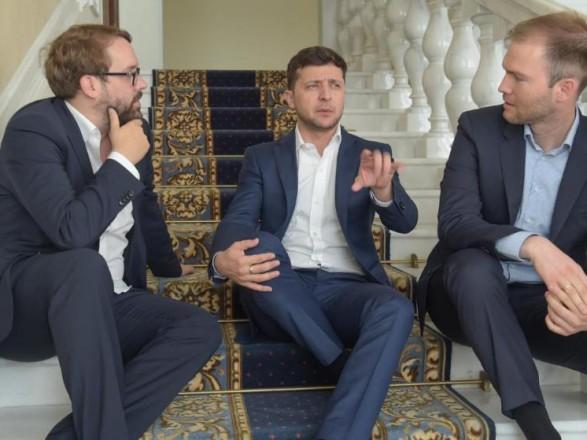 Зеленский: при встрече с Путиным начнем с того, что Донбасс и Крым - это Украина