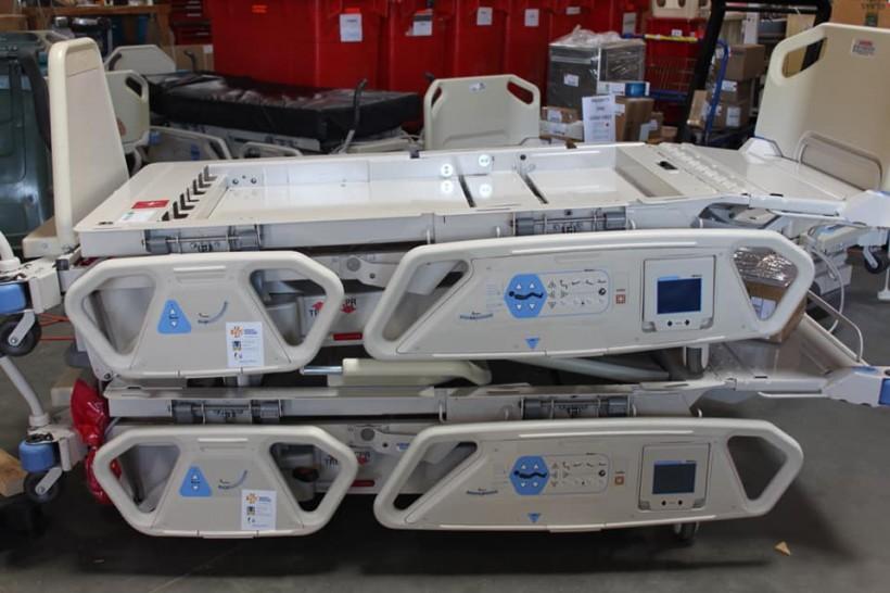 США передали Украине медоборудование для военных и детских больниц