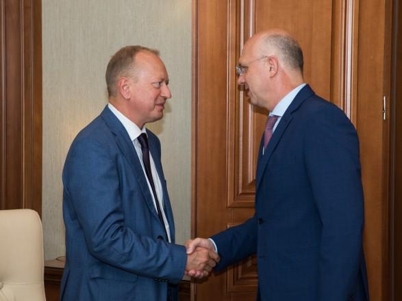 Спецпредставитель Украины провел переговоры с главой правительства Молдовы по политического кризиса