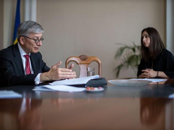 Россия пытается убедить мир, что Украина остается коррумпированной - наблюдатели