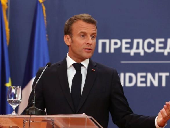 Макрон согласился на посредничество в нормализации отношений между Сербией и Косово