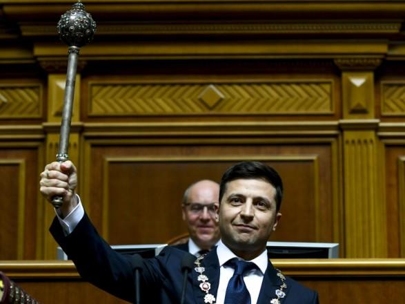 Зеленский о новом формате Дня Независимости: возможно без парада, но с премиями военным