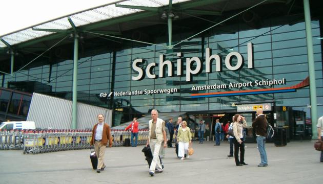 Один из крупнейших аэропортов Европы из-за нехватки горючего отменил 180 рейсов