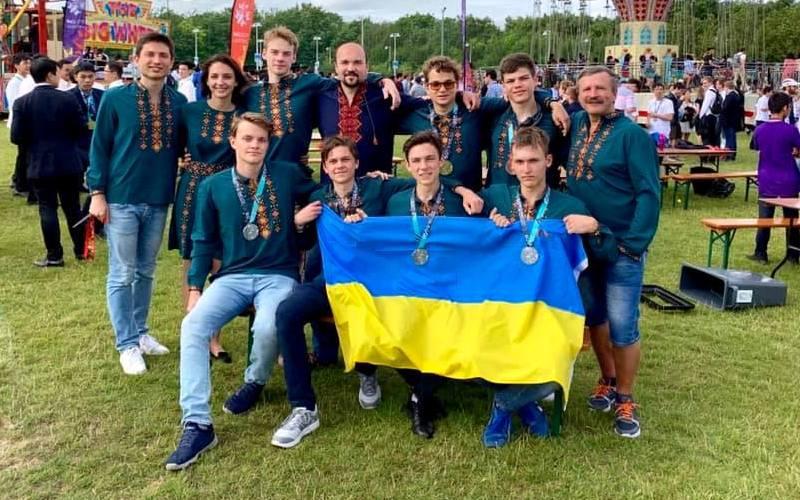 Украинские школьники завоевали шесть медалей на Международной математической олимпиаде