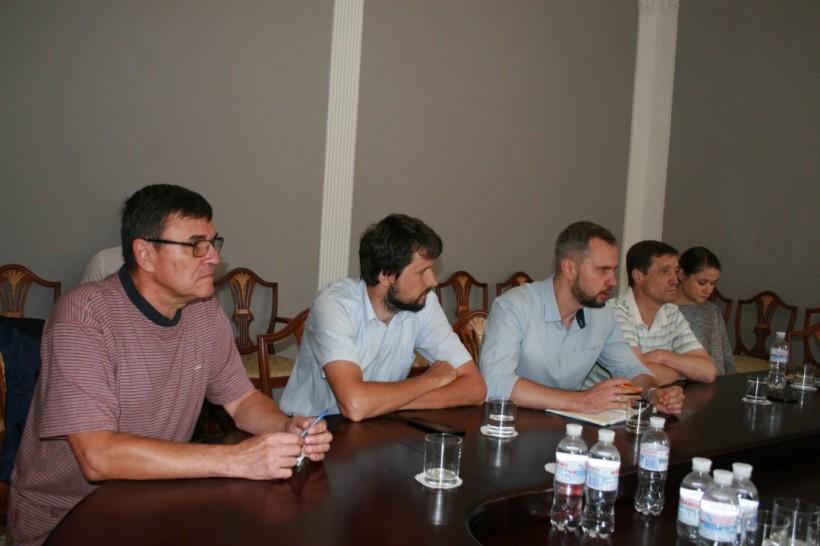 Денисова встретилась с родственниками украинских политзаключенных