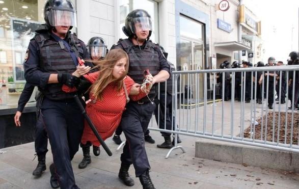 Климкин прокомментировал задержания протестующих в Москве