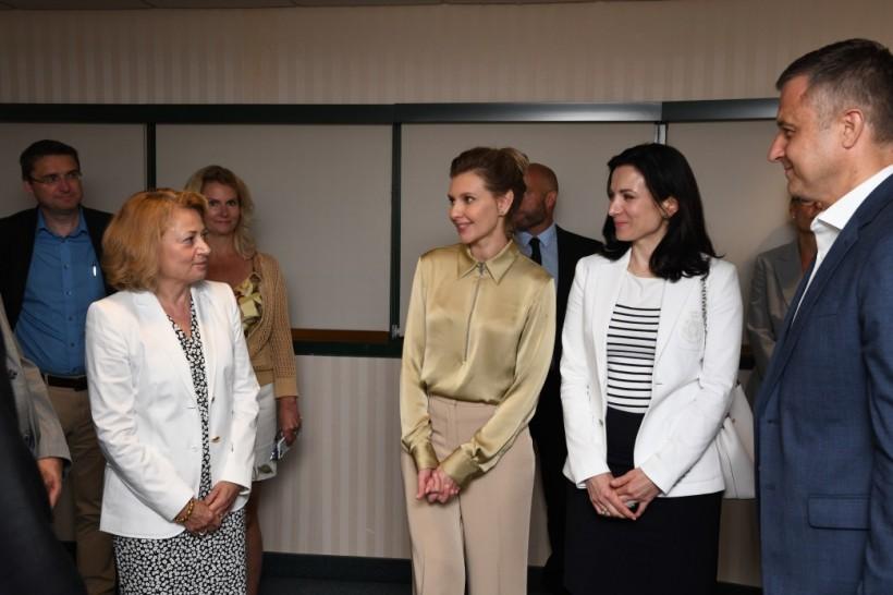 Елена Зеленская в Канаде посетила госпиталь SickKids