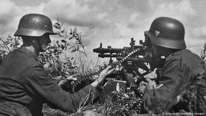 """Несмотря на пакт """"Молотова-Риббентропа"""" Германия напала на СССР"""