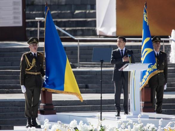 Зеленский призвал украинцев к единству не в лозунгах, а в сердце