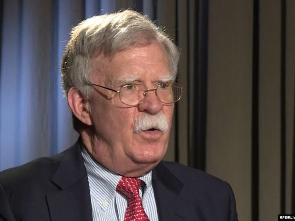 """Болтон не исключает возможности участия США в """"нормандском формате"""""""