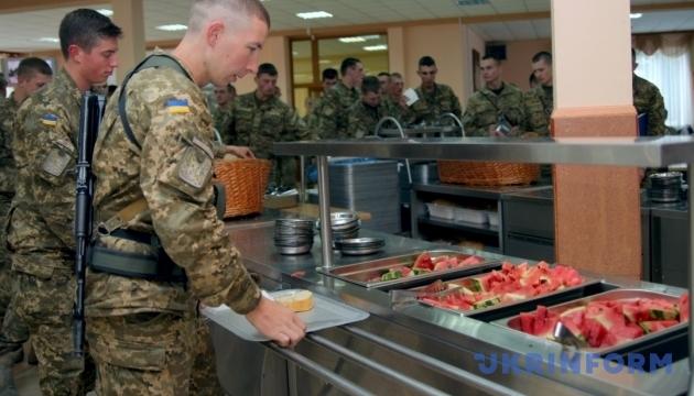 Армия в этом году не перейдет на новую систему питания - МОУ