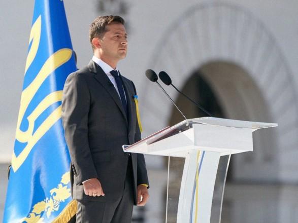 Зеленский заявил, что должен на этой неделе избрать нового премьера