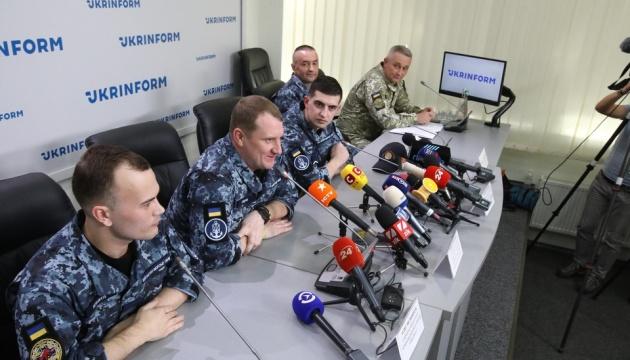 Прессу просят дать освобожденным морякам время на лечение и отдых