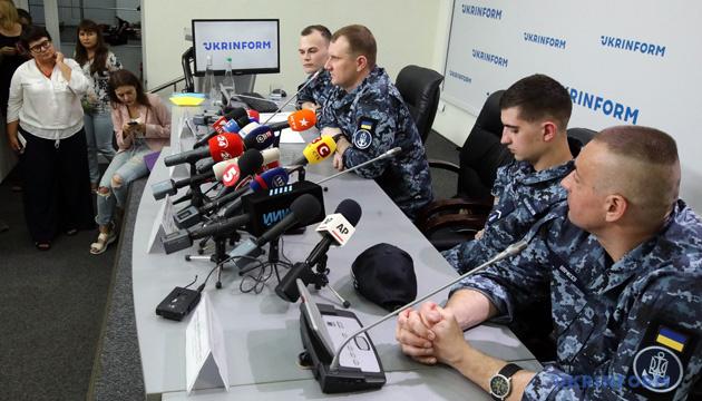 Всем освобожденным украинским морякам купили квартиры