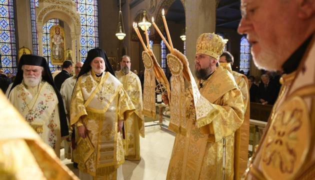 Епифаний возглавил литургию в храме Греческой православной архиепископии Америки