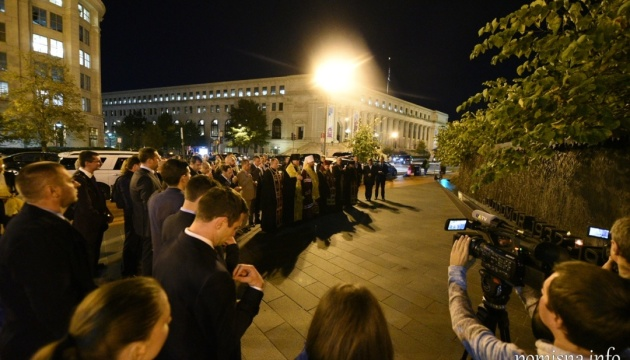 Епифаний отслужил панихиду возле Мемориала жертв Голодомора в Вашингтоне