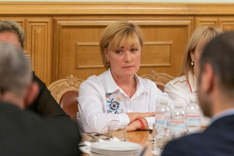 Зеленский встретился с родными воинов, погибших на Донбассе