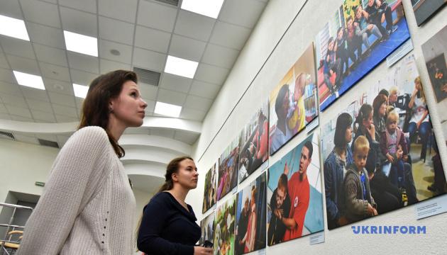 """В Укринформе открылась фотовыставка """"Восстановление"""""""