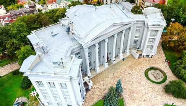 В Национальном музее истории Украины проводят проверку - директора отстранили