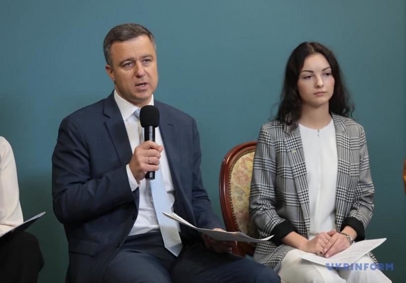"""Каждый третий ребенок в Украине """"подсел"""" на Интернет"""