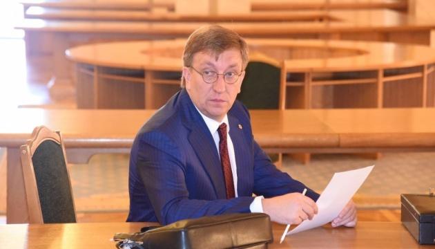 Президент уволил экс-заместителя Баканова с военной службы