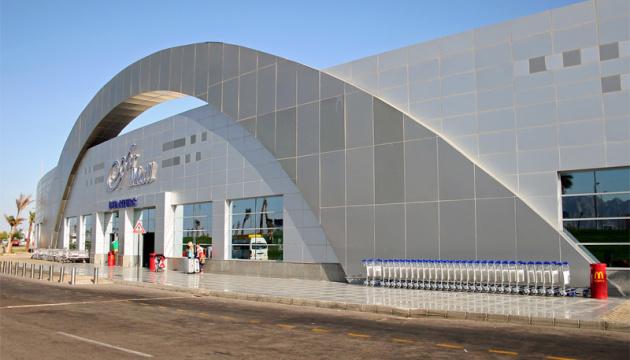 Самолет из Запорожья задымился в аэропорту Шарм-эль-Шейха