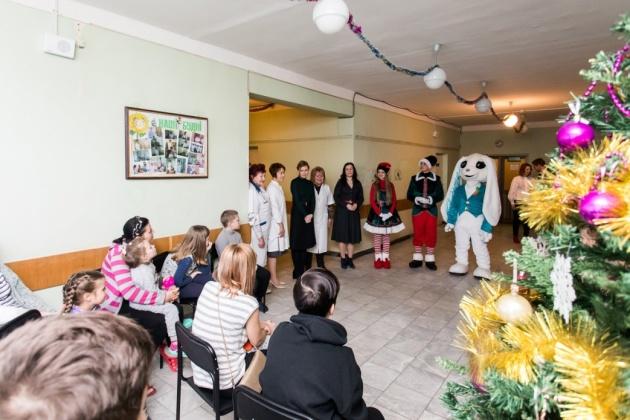 Елена Зеленская и Зоряна Скалецкая посетили детскую больницу в Боярке