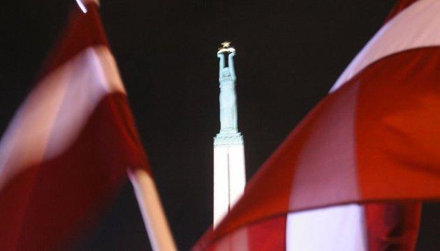 Посольство проверяет информацию об аресте счетов украинских IТ-компаний в Латвии