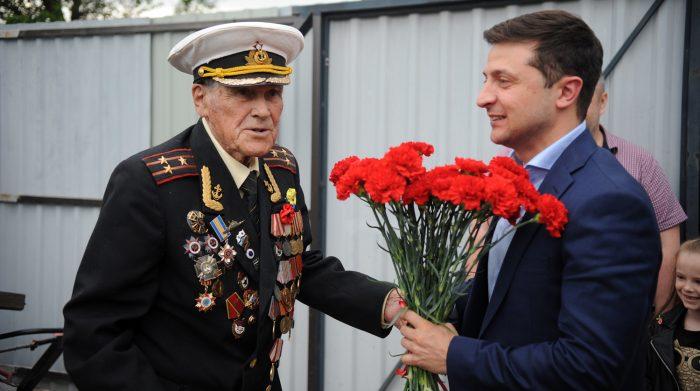 Владимир Зеленский со своим дедом.
