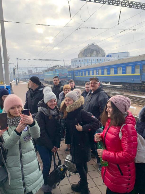 Дети из прифронтовых сел Донбасса встречают Рождество на Тернопольщине