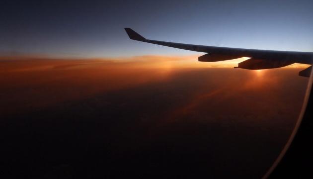 """Смертельный коронавирус: в """"Борисполе"""" самолеты из Китая встретят санитары Минздрава"""