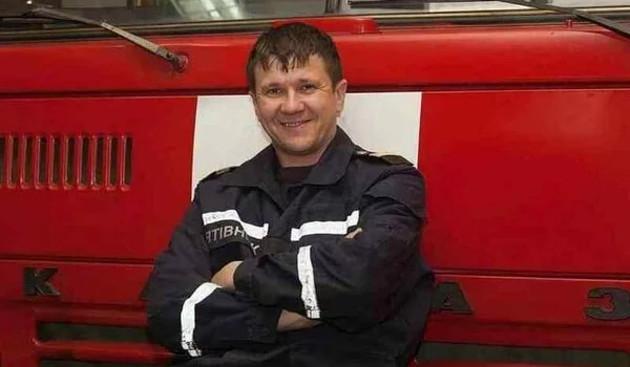 Зеленский присвоил звание Герой Украины преподавательнице и спасателю за действия на пожаре