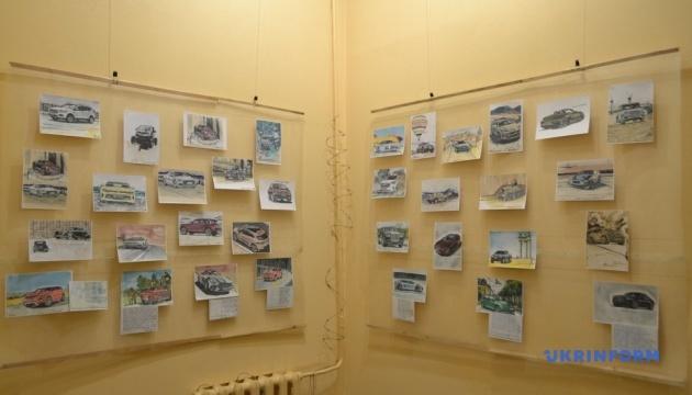 Сущенко впервые лично представил выставку собственных рисунков