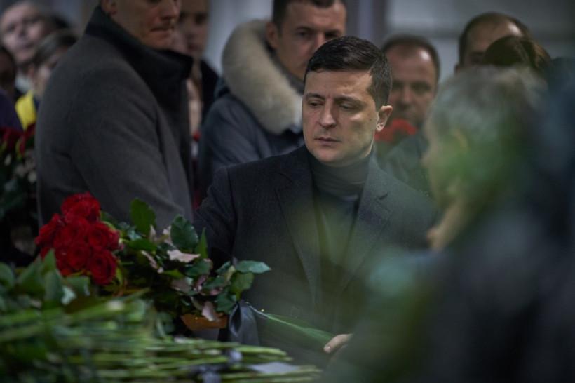 Зеленский пообщался с родственниками погибших в Иране