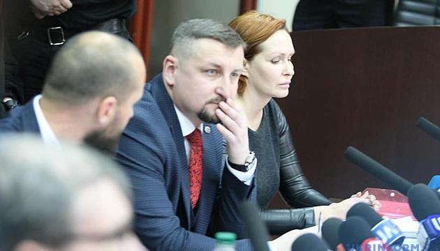 Суд разрешил Юлии Кузьменко сесть рядом с адвокатами