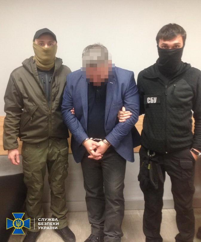 """СБУ задержала в """"Борисполе"""" организатора схемы незаконного ремонта самолетов"""