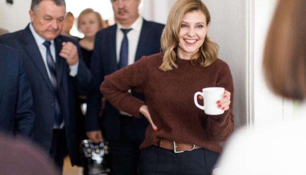 """""""Молочка"""" в школьном меню: Зеленская говорит, что последнее слово за медиками"""