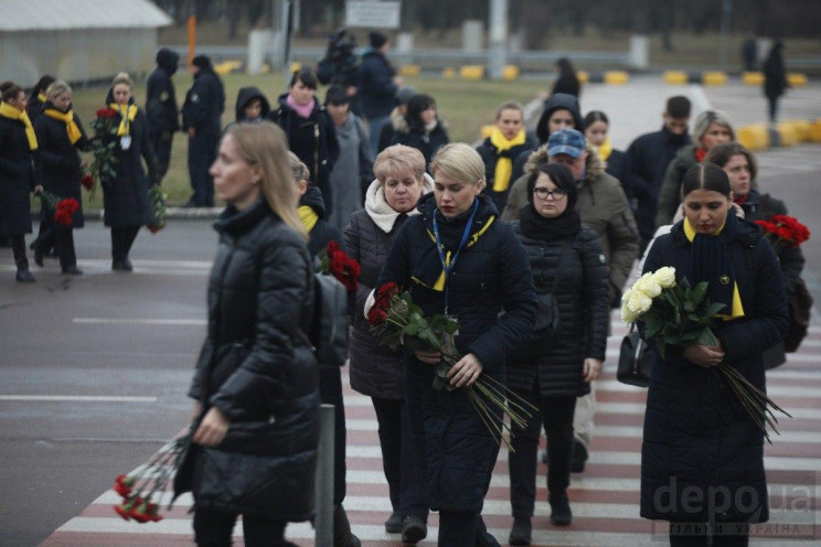 Церемония прощания с погибшими в авиакатастрофе с МАУ