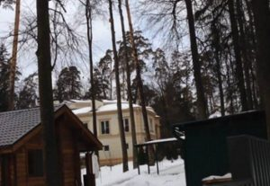Шикарный особняк Азарова на Рублевке.