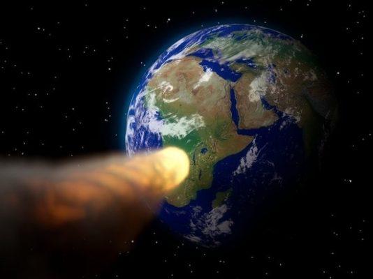 Крупный астероид приблизился к Земле.