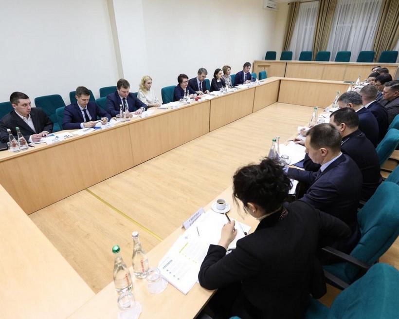 Баканов призывает разработать механизмы борьбы с контрабандой табака
