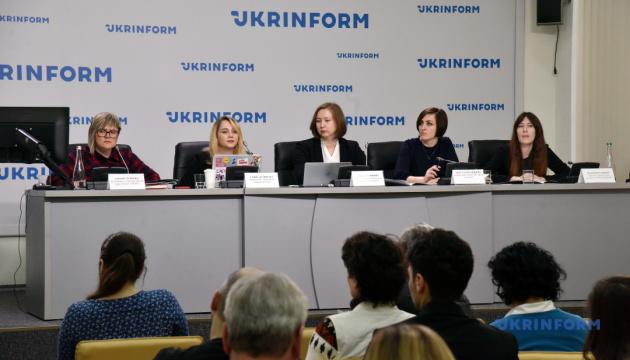 Жители оккупированных территорий ограничены в социальных правах и админуслугах — правозащитники