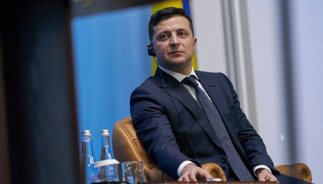"""Зеленский не читает Telegram-каналы, потому что там """"хаос, сюр и грамматические ошибки"""""""
