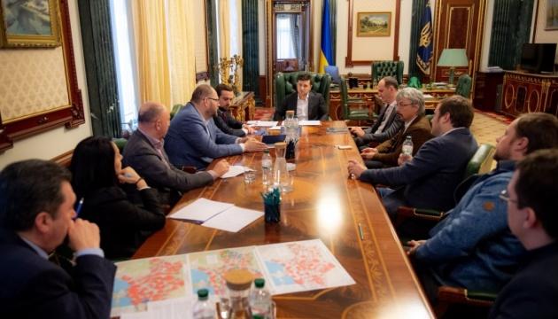 Украинское спутниковое ТВ раскодируют - Зеленский договорился с медиагруппами