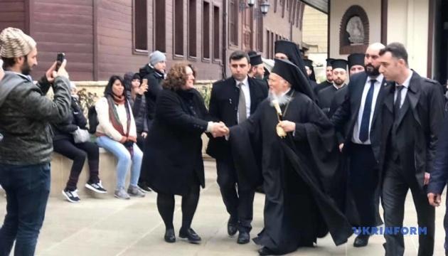 Украинская делегация приехала в Стамбул поздравить Вселенского патриарха