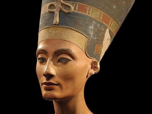 Царица Египта Нефертити.