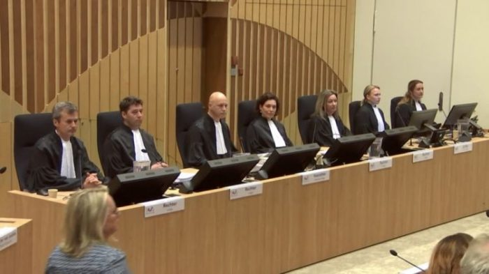 Зал суда в Нидерландах.