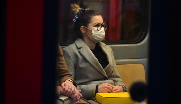 Представитель ВОЗ рассказал, кому следует носить маски