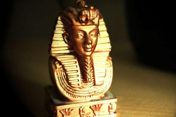 Верховный правитель Египта Тутанхамон.