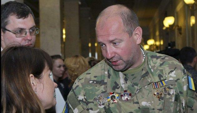 """Украинский консул прибыл к задержанному экс-командиру """"Айдара"""""""